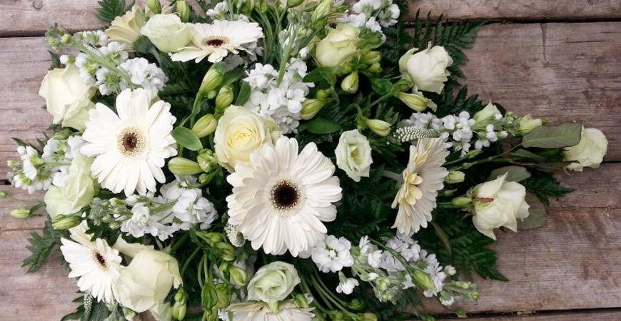 Met gemengde bloemen